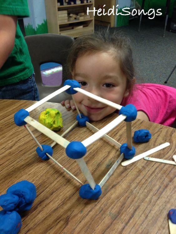 这篇文章给出了儿童学习形状所需的三项技能,以及如何帮助儿童培养缺失的技能以便掌握形状的技巧。
