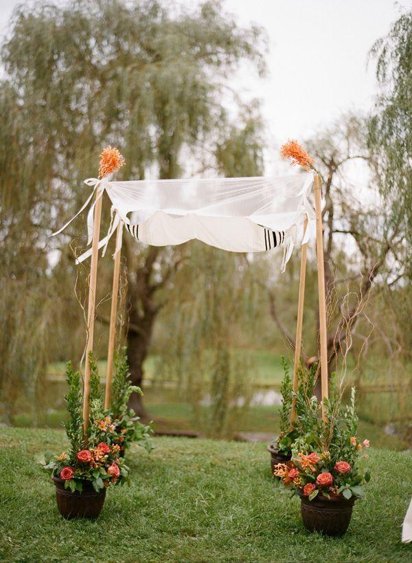 我喜欢盆栽花朵如何撑起两极,你可以在婚礼结束后保留盆栽植物