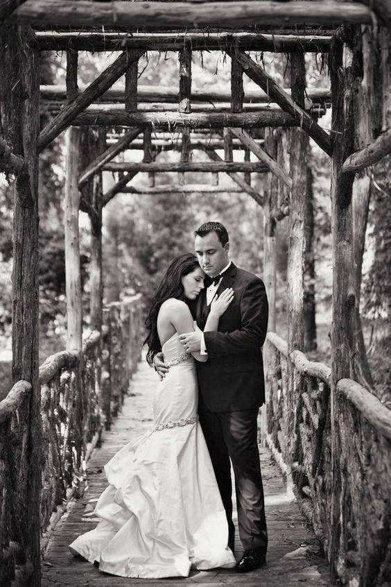 由Switzerfilm Hannah和Josh的2011年6月特色婚礼亲密,迷人而豪华! ...