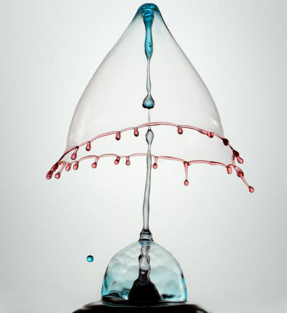 Water droplets frozen in high speed photographs by Heinz Maier