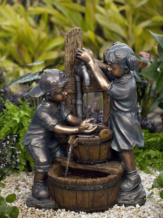 他的棒球帽向后,双手托着龙头,孩子们玩水喷泉还有一个可爱的小女孩扎着辫子。每当您在后院看到它时,孩子们玩水喷泉都会让您高兴。尺寸13.4英寸宽x 19.3英寸深x 27.1英寸高。重22磅。儿童游乐喷泉由耐用轻质树脂和玻璃纤维组成。包括循环泵,电动带有6.2英尺电源线儿童游泳喷泉将通过UPS运输,并将在您的订单日期后3至5个工作日发货。今天订购儿童玩水喷泉!