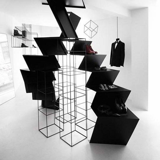 金属楼梯 楼梯作为显示 室内楼梯 黑色 白色 最小