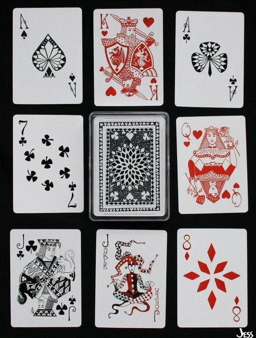 幸运甲板扑克牌由杰西卡西门子制作的54幅独特的水彩画组成。这些卡片是100%塑料。这些卡片可在Etsy上获得(每张卡片25美元+运费):http://www.etsy.com/listing/102056604/lucky-deck-playing-cards(来源:etsy.com)