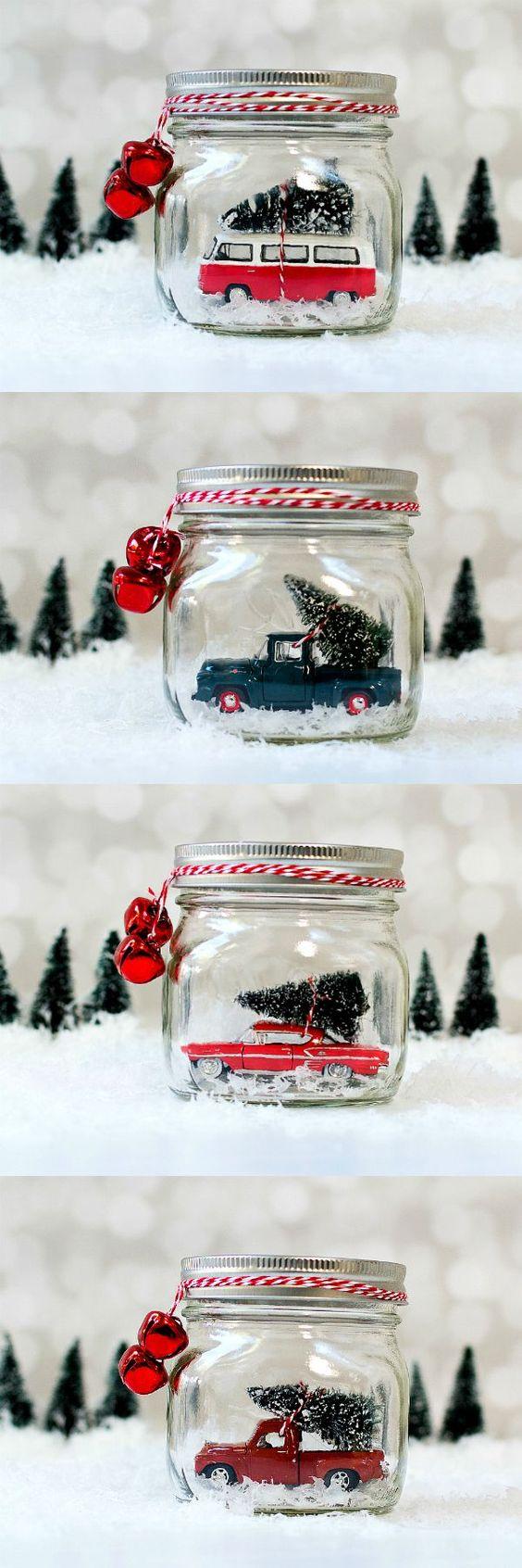 梅森罐子雪地球。老爷车在梅森罐子里。在梅森罐子的老式卡车。如何做一个梅森罐子雪球。老爷车雪地球。包含链接。