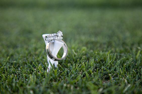 高尔夫球场的婚礼照片 - 不是发球台的,但这是一个很好的主意,因为我的妈妈在高尔夫球场工作,因此可以看到参与的照片!