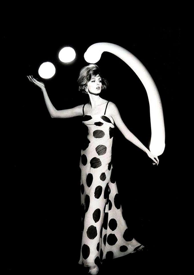 Yves Saint Laurent, 1962.  William Klein