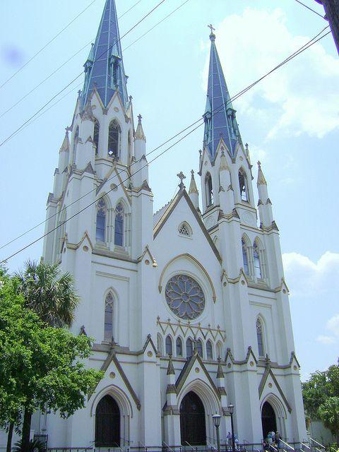 这是我在Savannah Ga历史区度假时拍的一些照片。这是位于Savannah Ga的哈里斯街222号的施洗者圣约翰大教堂。