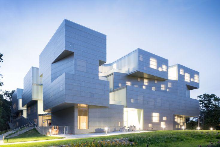 爱荷华大学视觉艺术大楼/ Steven Holl Architects  -  12