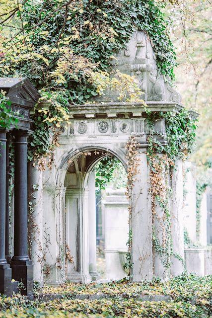 中央公墓的第一幅维也纳图像是没有计划的。但是既然我们从维也纳回来了,我再次拥有日常生活,1500张照片不看自己......;))但是因为它今天适合所有圣徒日并收集关于墓地的Astrid Posts,我首先向你展示照片....如你所知,......
