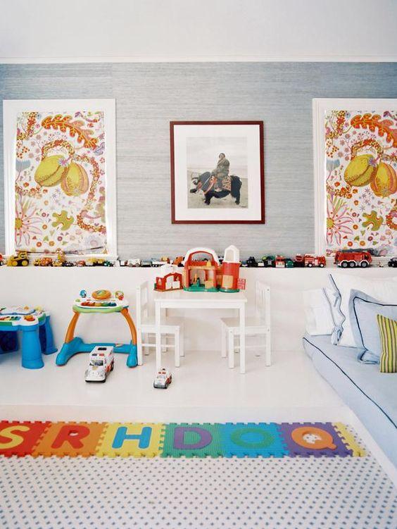 从三位顶尖设计师那里获取关于如何在HGTV.com上创建一个专业美观的画廊墙的技巧