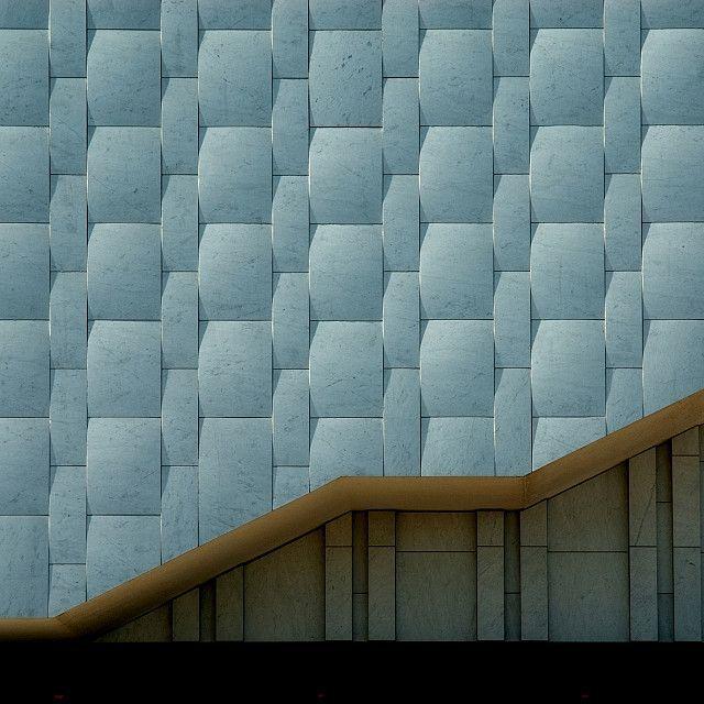 Alvar Aalto - Finlandia Hall - Carrara mrble cladding
