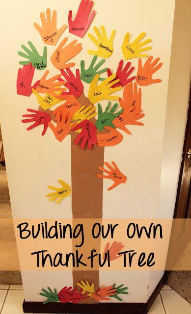 如何使用孩子的手印为您的家人制作感恩的树