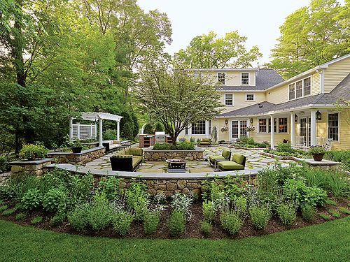 通过Fallon Custom Homes&Renovations进行改造;由Karen Sebastian,LLC提供的景观建筑;安德森景观建设景观建设; Richard Mandelkorn摄影