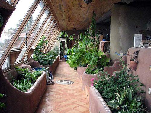 温室和花园的下部。约70'或更多。手工制作的瓷砖和adobie