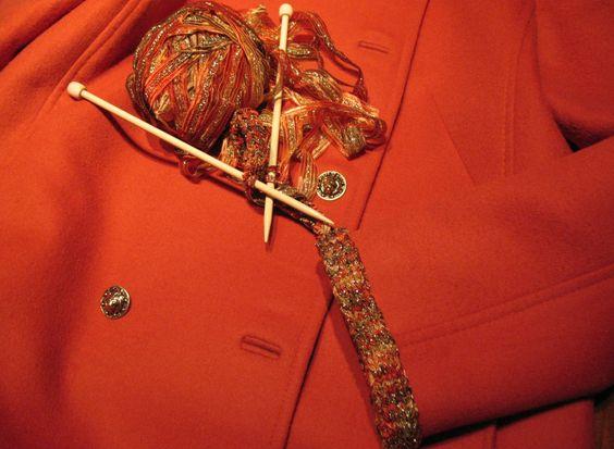 为香奈儿风格的外套打造独特的饰边