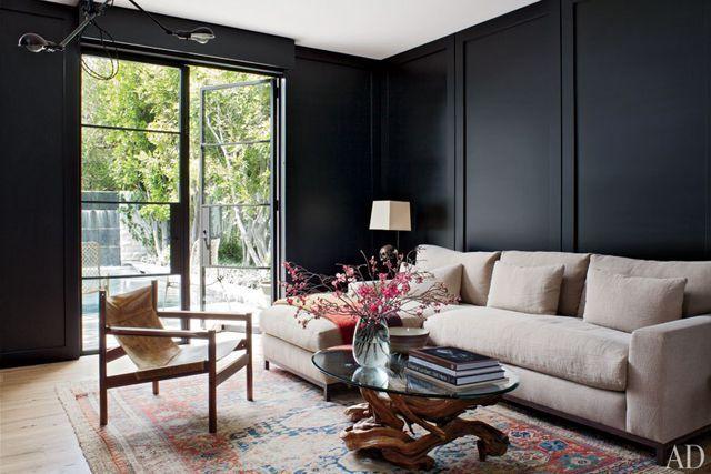 黑墙的客厅