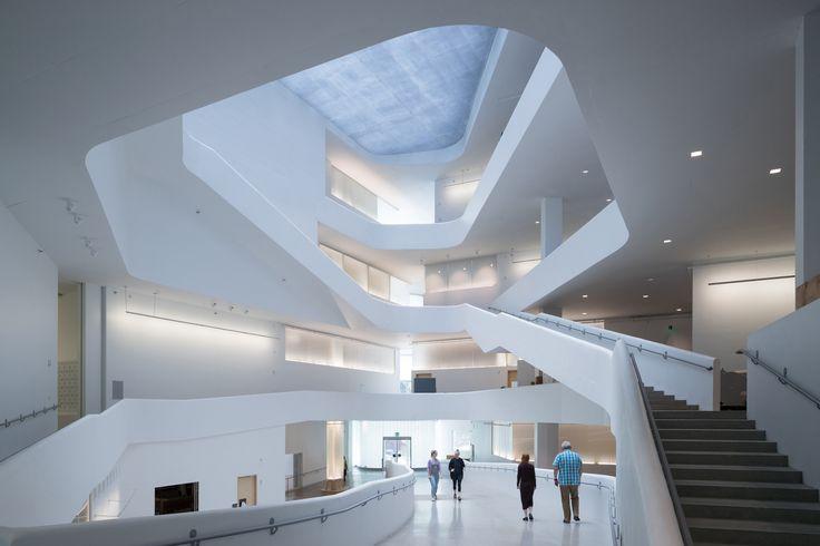 爱荷华大学视觉艺术大楼/ Steven Holl Architects  -  4
