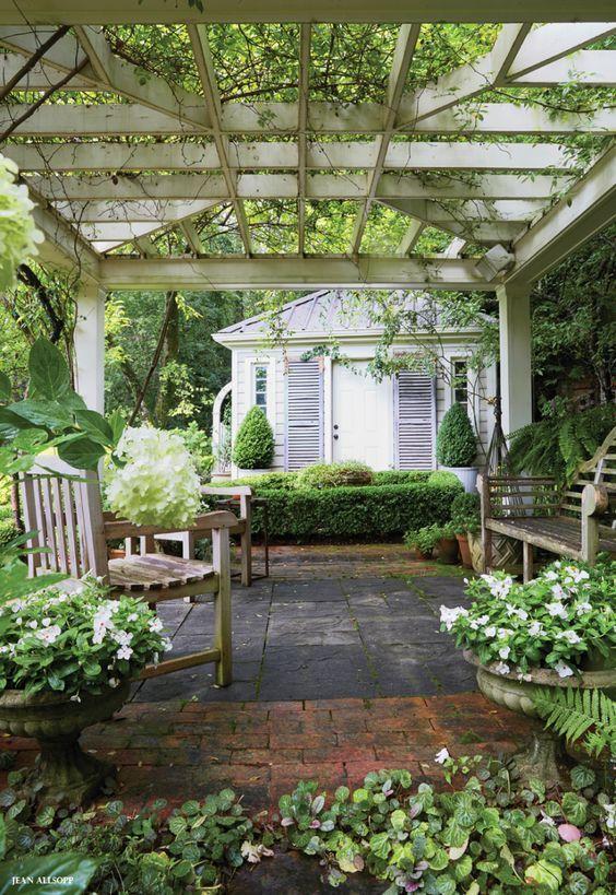 旧别墅阳台和凉棚 -  Google搜索