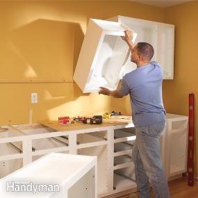 借助这些基本技巧,您可以学习如何安装厨房橱柜,坚实而真实