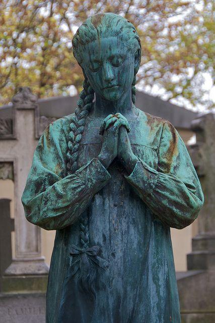 坟茔雕塑,Pere Lachaise公墓,巴黎