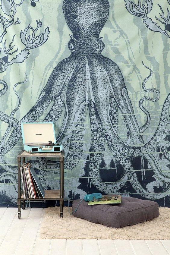 今日在Urban Outfitters购物4040 Locust Octo-Sea Tapestry。在线或店内发现更多选择。购买您最喜爱的品牌并注册UO奖励,即可获得9折优惠!
