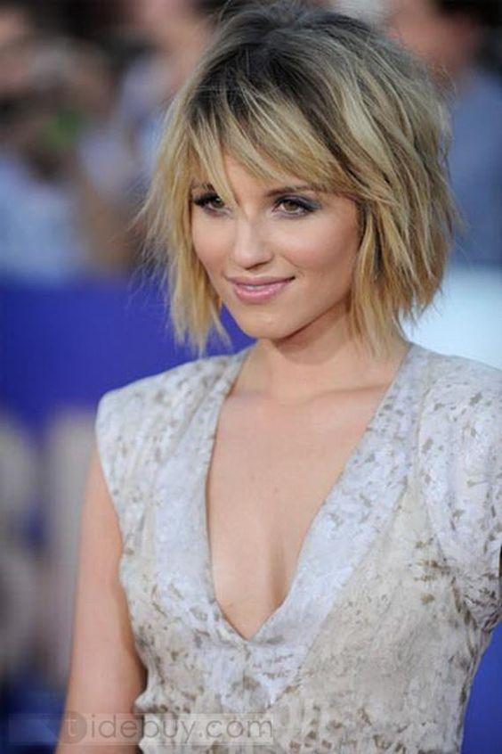 Celebrity Bold Bob Hairstyles Medium Straight Human Hair Wig about 8 Inches