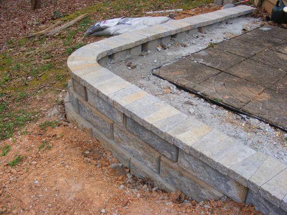 只需几步即可学习如何构建简单的挡土墙。