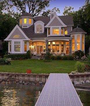 湖房子外部