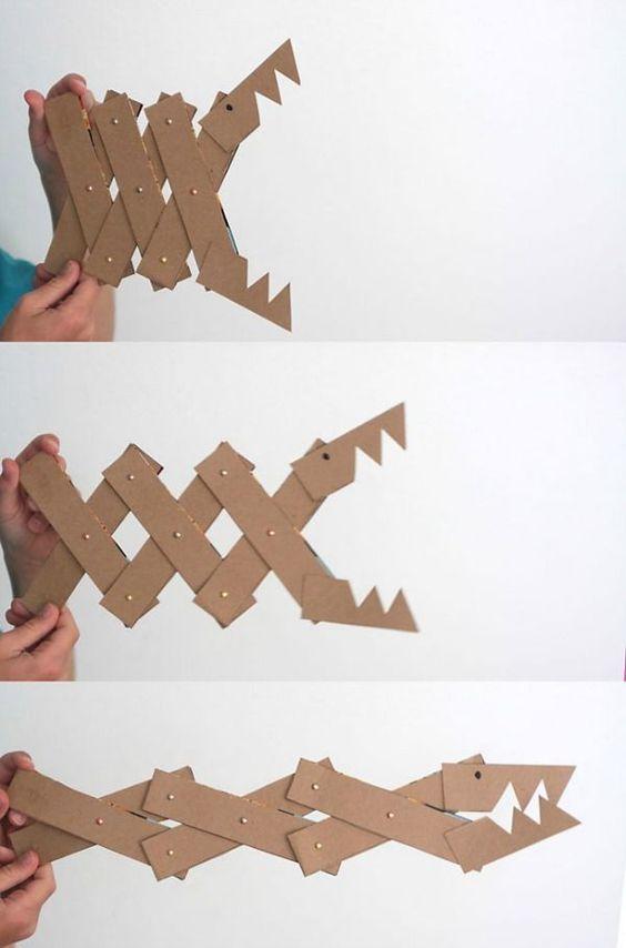 你是否在寻找这个周末的孩子手工艺品项目?这里有一些你的孩子会喜欢的惊人的,易于制作的工艺品。平衡游戏,纸板怪兽或俄罗斯娃娃......你和你的孩子们都会喜欢制作这些DIY玩具和项目,并且随后和他们一起玩。 DIY谷物盒怪物大白鲨。为了...