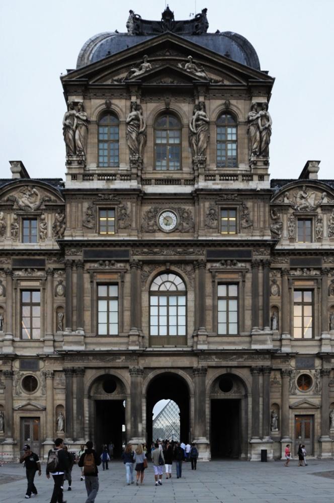 AD Classics: Le Grande Louvre / I.M. Pei