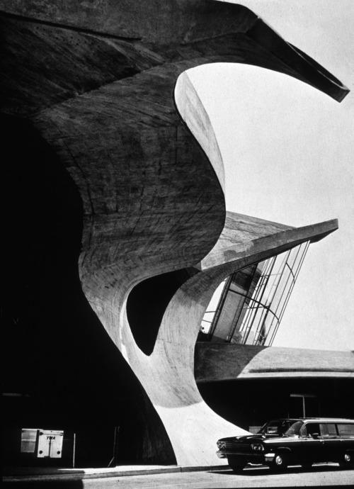 Saarinen by Ezra Stoller - TWA Terminal