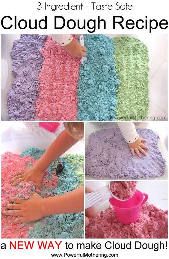 了解如何制作色彩鲜艳的云彩面团配方,让您的宝宝品尝到安全的味道。只有3种成分,我们的云面团配方就是您正在寻找的!非常适合感官游戏!云彩面团也被称为仙女面团!