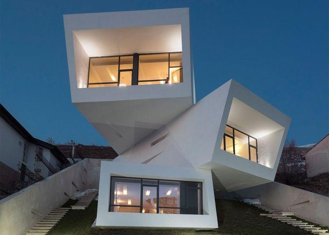 New Wave Architecture的伊朗房屋由三个不规则堆叠的盒子组成