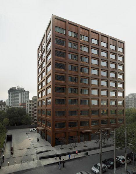 David Chipperfield的莫干山路办公楼采用全铜立面。