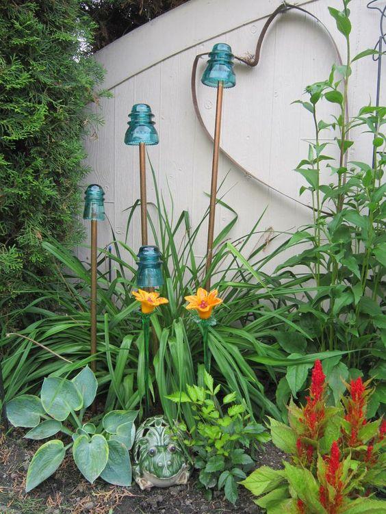 你有没有想过有花园小饰品?你知道吗,可爱的装饰物让你微笑?毕竟,花园是家庭的延伸。所以我们搜索了博客圈,发现了DIY花园小饰品和庭院装饰品的一些很棒的想法,为你的花园添加了一些珠宝!试试这些!