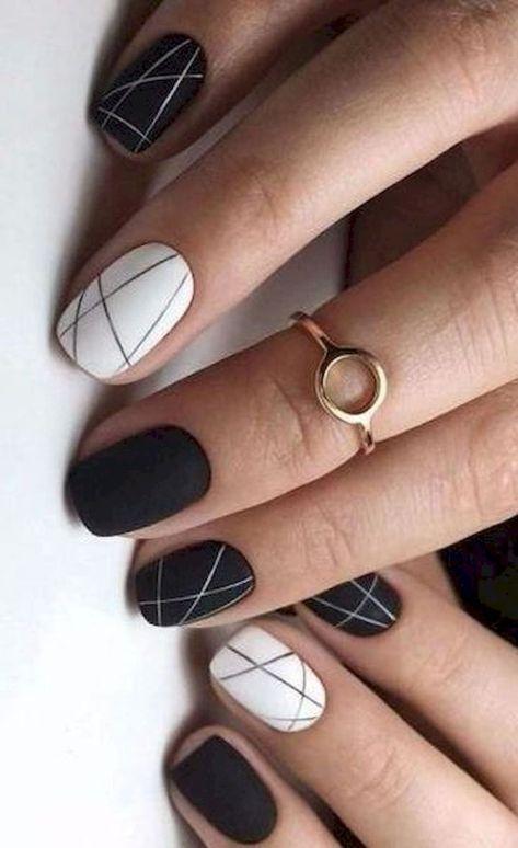 18个优秀的优雅指甲为您的美丽外观设计理念