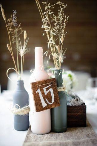 20个DIY婚礼桌号想法|五彩纸屑白日梦 -  DIY乡村婚礼表数字中心。在这里获取我们的DIY技巧! ♥♥♥喜欢我的FB:www.facebook.com/confettidaydreams♥♥♥#Wedding #Decor