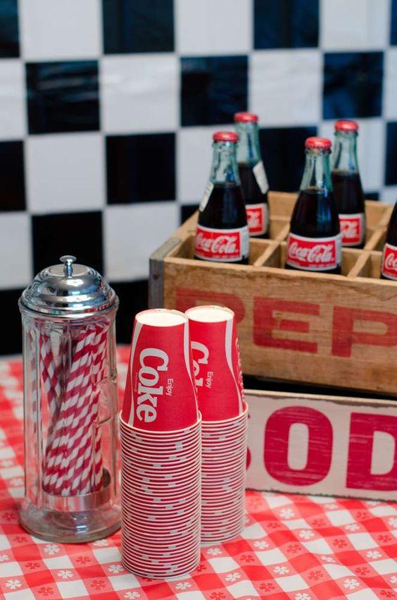 Liz B的生日/ 50年代晚餐苏打店复古生日派对 -  Catch My Party的照片集