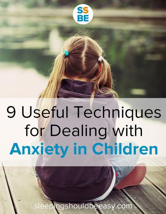 难以处理孩子的焦虑问题?了解可立即申请的儿童焦虑症的有用技巧。