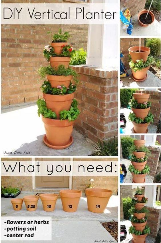 塔式花园的想法非常适合种植蔬菜和草药或作为院子里的装饰。在此列表中找到最好的塔楼创意花园!