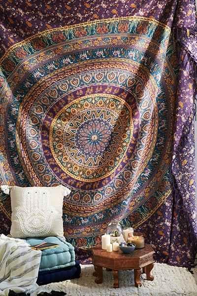在Urban Outfitters今天购买神奇思维Menagerie Medallion Tapestry。我们为您提供所有最新的款式,颜色和品牌,从这里选择。