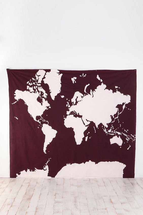 今天在Urban Outfitters购物阿特拉斯挂毯。在线或店内发现更多选择。购买您最喜爱的品牌并注册UO奖励,即可获得9折优惠!