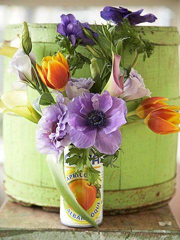 美丽的婚礼是美丽的花朵必不可少的。浏览我们的漂亮中心装置系列。做一个DIY新娘,自己做,或打印你最喜欢的想法,以获得灵感的花店。