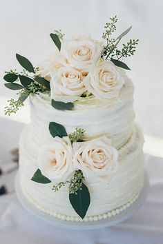 24个壮观的奶油婚礼蛋糕❤查看更多:http://www.weddingforward.com/buttercream-wedding-cakes/ #weddings #cake