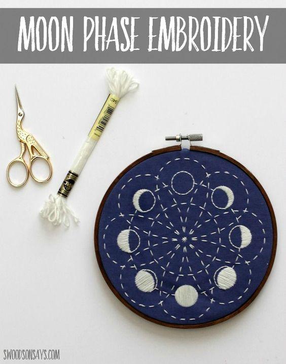 来自CozyBlue的月亮刺绣设计的缝合版本,使用来自DMC的黑色牙线发光 - 我分享了sashiko拼接的几个视图!