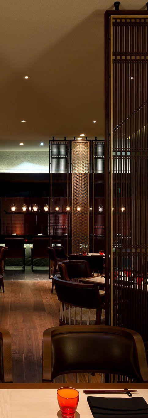 获得您正在进行的工作的灵感:一个新的酒店装饰项目!在luxxu.net上找到适合您室内设计项目的最佳餐厅照明灵感