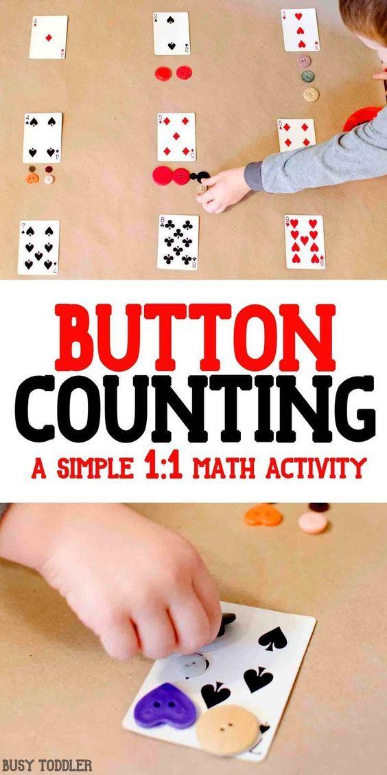 为幼儿寻找有趣的数字感?试试这个简单的纸牌数学活动,使用按钮和一副牌。一个伟大的,简单的数学活动!