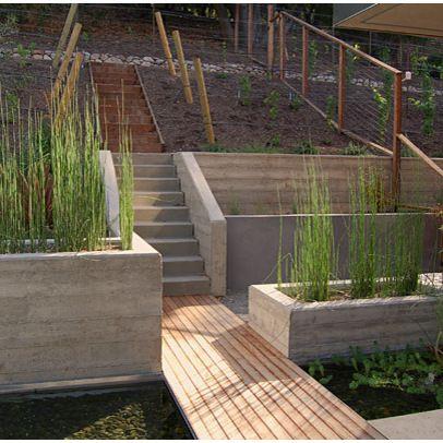 挡土墙是一种将土壤,岩石和水保持在适当位置的结构,以便它不会被雨水冲走。挡土墙用于severa