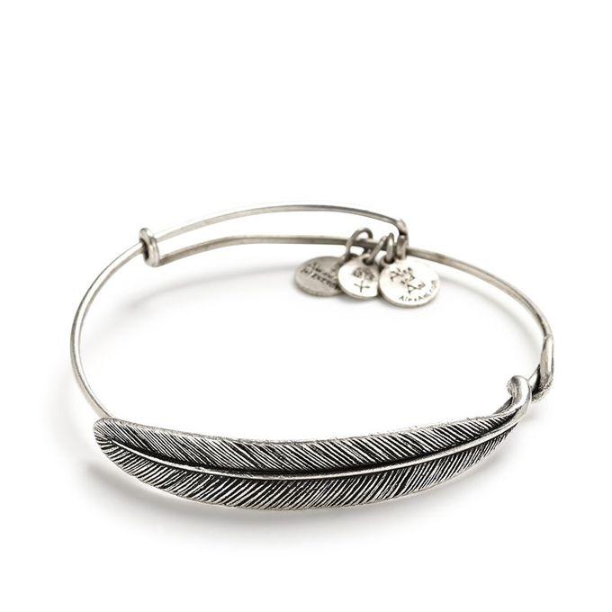 婚礼配饰理念:Alex和Ani #wedding #jewelry的羽毛包裹手链