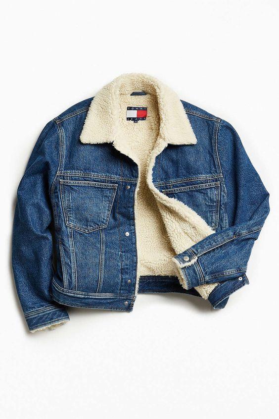 在今天的Urban Outfitters店购买Tommy牛仔裤,为UO夏尔巴内衬牛仔布卡车外套。我们为您提供所有最新的款式,颜色和品牌,从这里选择。
